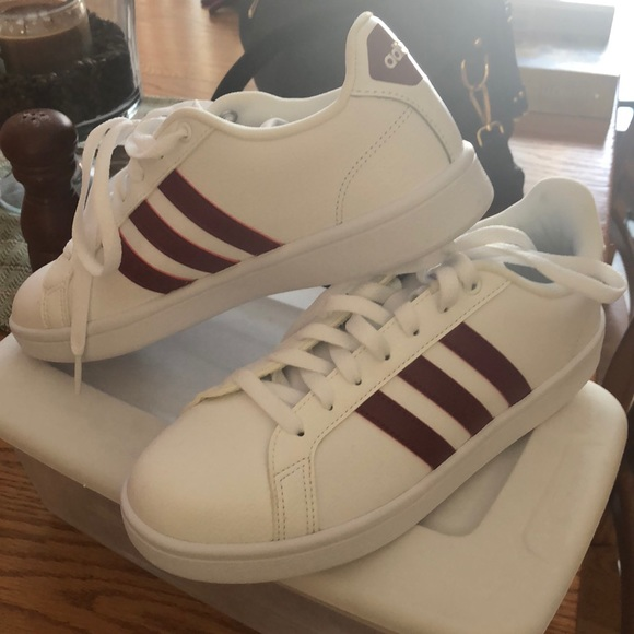 09232ed2f Adidas size 9 never worn womens shoes